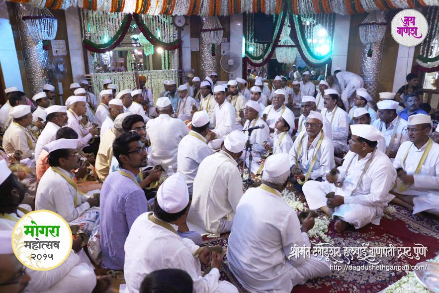 Dagadushethganapati_Mogara-festival-2015_08