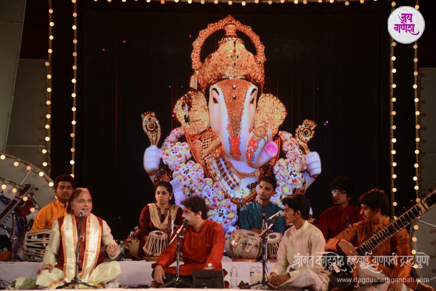 Dagdusheth Ganpati-Music Festival-03-2015